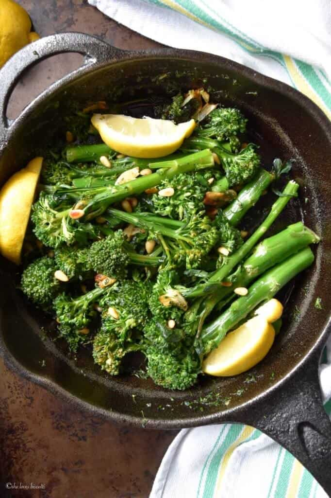 Easy Garlicky Sauteed Broccolini