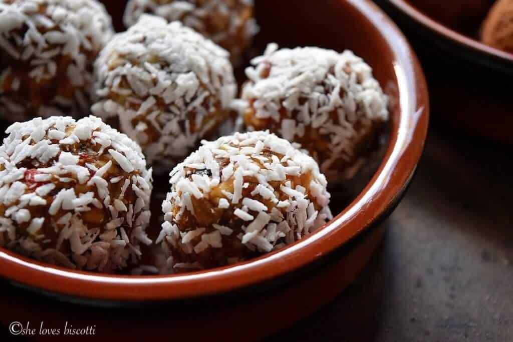 Greek Yogurt Goji Berry Almond Date Energy Bites