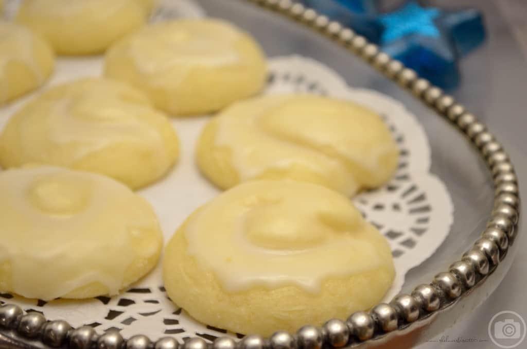 iItalian Lemon Knot Cookies