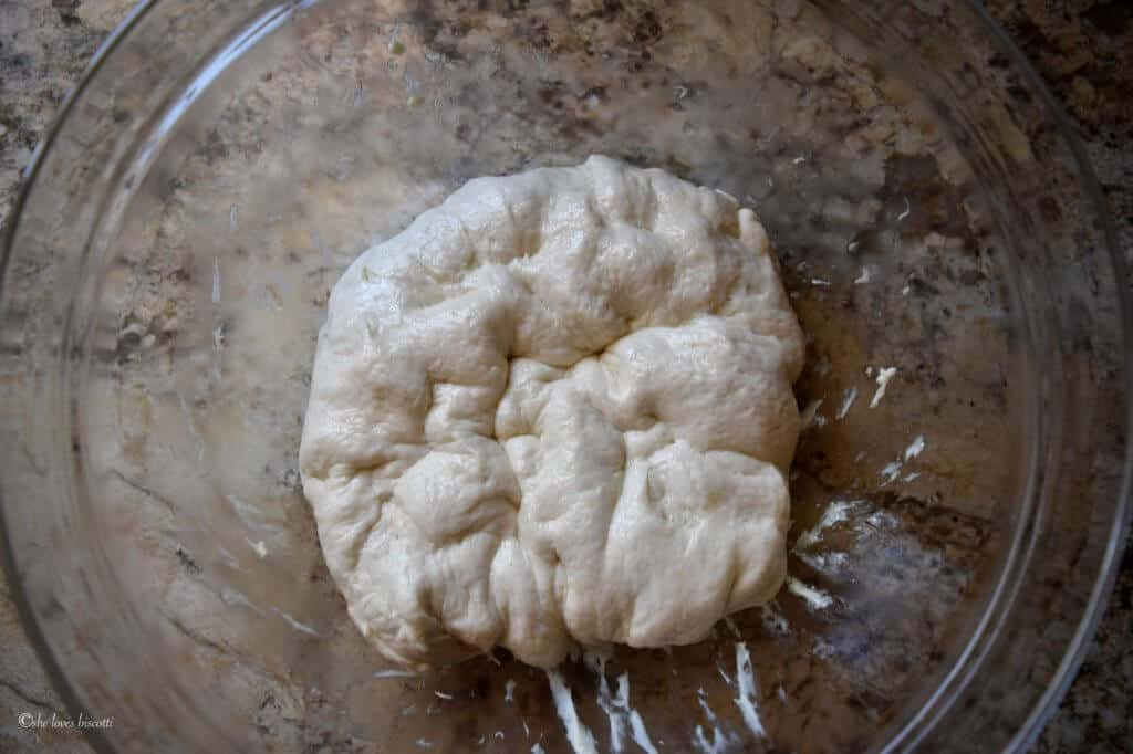 Easy Homemade Pizza Dough Recipe di Angela