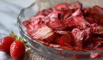 Oven Dried Strawberries -a healthy chip alternative!