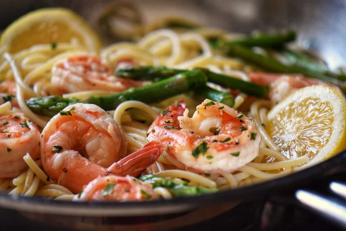 Pasta and asparagus is combine with this lemon garlic shrimp recipe.